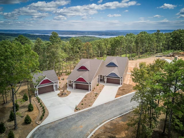 OSAGE POINT UNIT #113 TOWNHOME GETAWAY