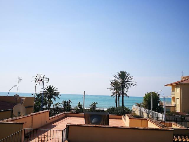 La casetta di Giusy2 ( davanti al mare)