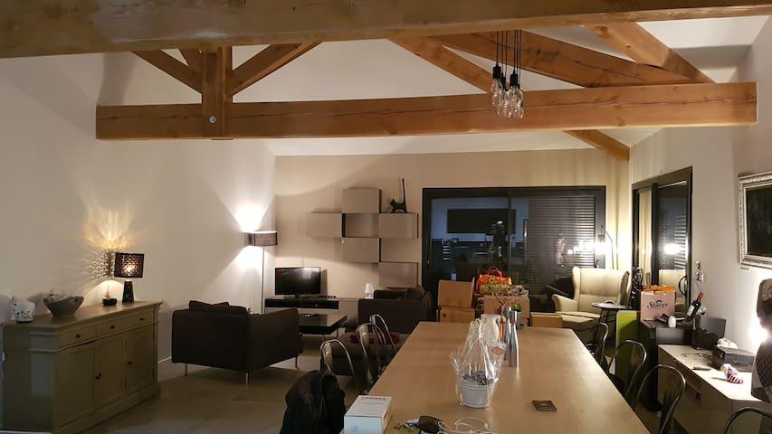 Chambre privative au sein d'une maison neuve
