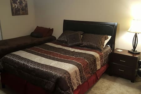 Spanish Suite B&B- Airports & Attractions - Winter Haven - Haus