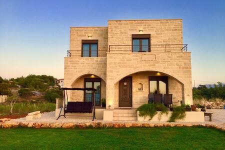 Mourelo House Chania | Sea View