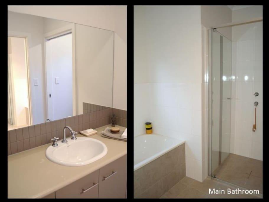 Main/second bathrooms