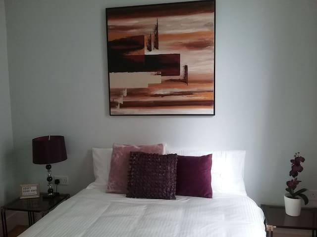 SMART MASTER Bedroom *King's Cross, St Pancras.*
