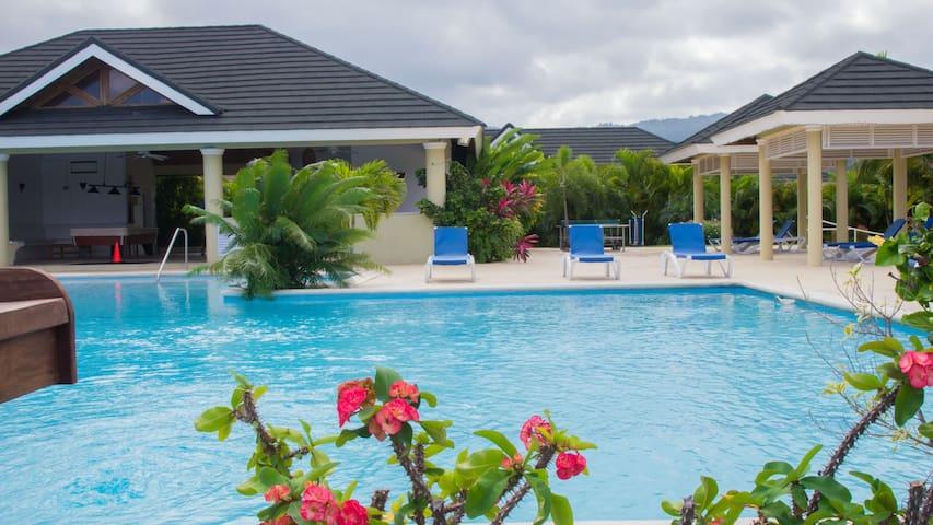Jaca Paradise Villa - Ocho Rios - Rumah
