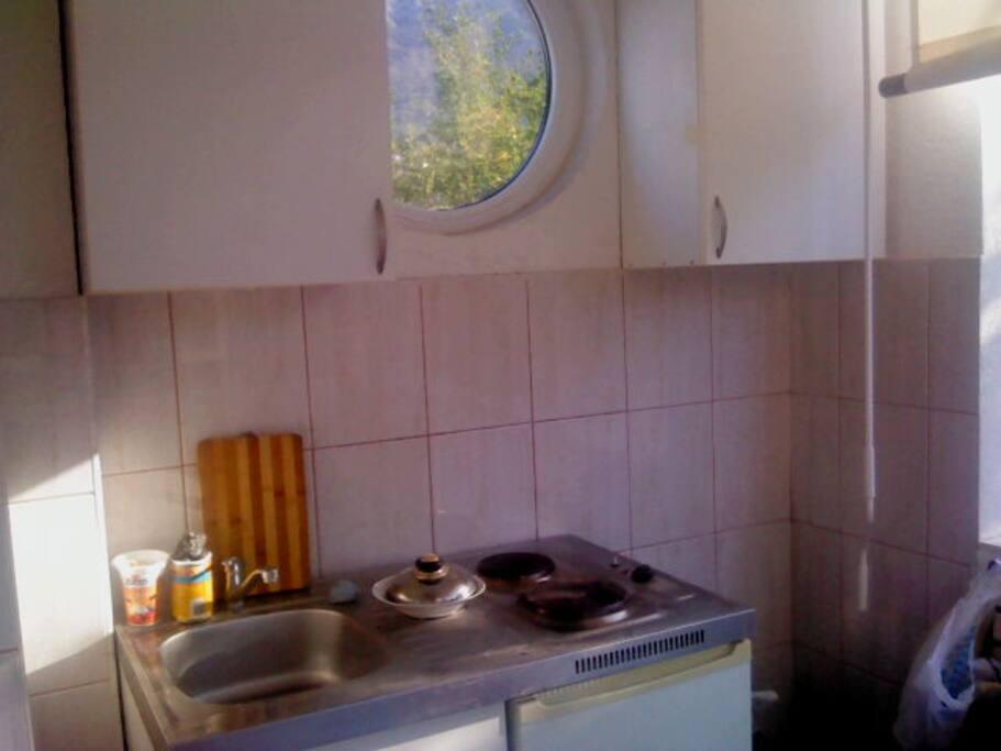 studio #4 (kitchen)