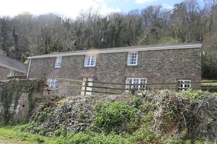 Holiday cottage 2 at Salcombe beach
