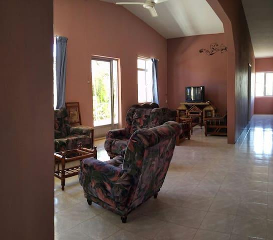 The K (3 bedroom) apartment - Blue Bay - Casa