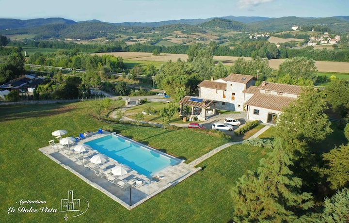 Villa with pool and free wi-fi