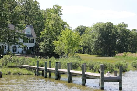 Peaceful Waterfront Home & Pier (4 mi to downtown) - Annapolis