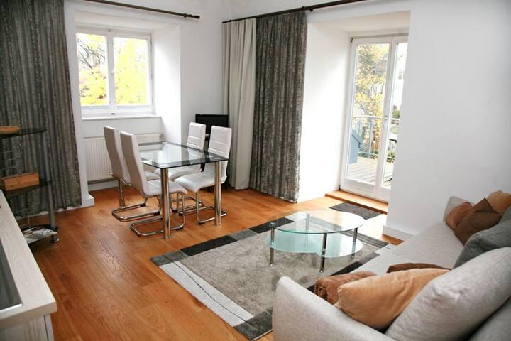 2-Zimmer-Balkon-Apartment in der Villa Ingrid