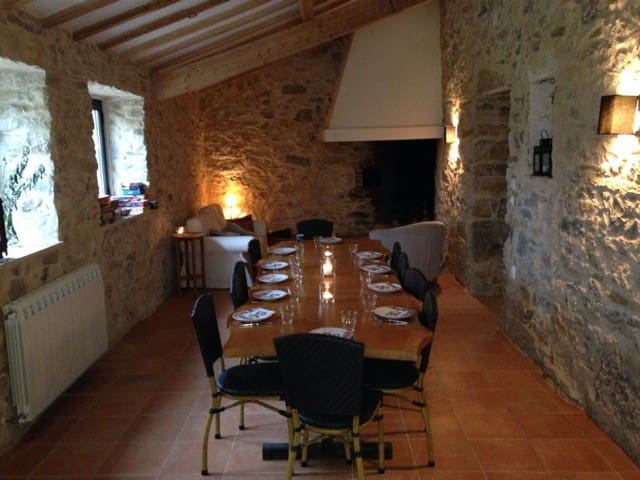 Farmhouse for 12 guests with pool