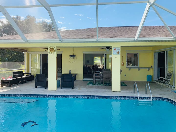 """The 5 O' Clock"" Cape Coral Heated Pool Home"