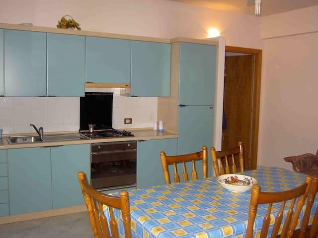 Casa vacanza tra TAORMINA ed ETNA   - Fiumefreddo di Sicilia - อพาร์ทเมนท์