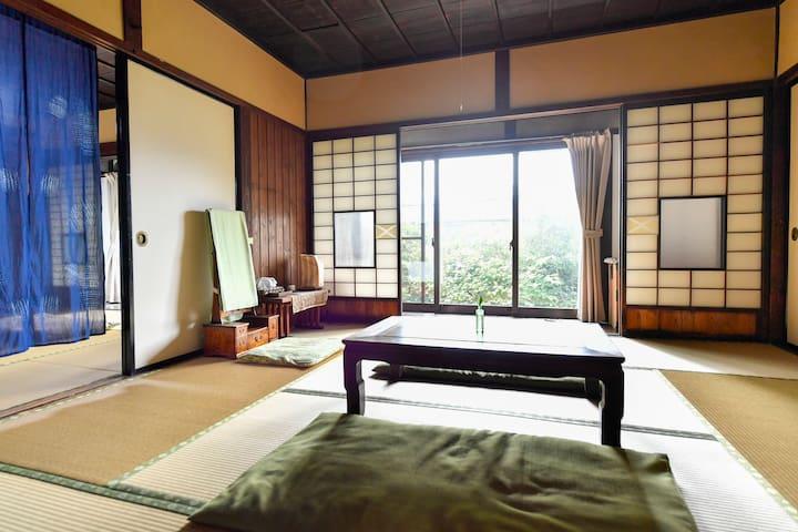 We have 3 tatami rooms.