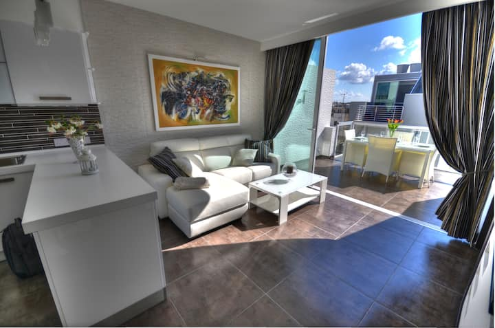 St Julians two bedroom Penthouse in ideal location