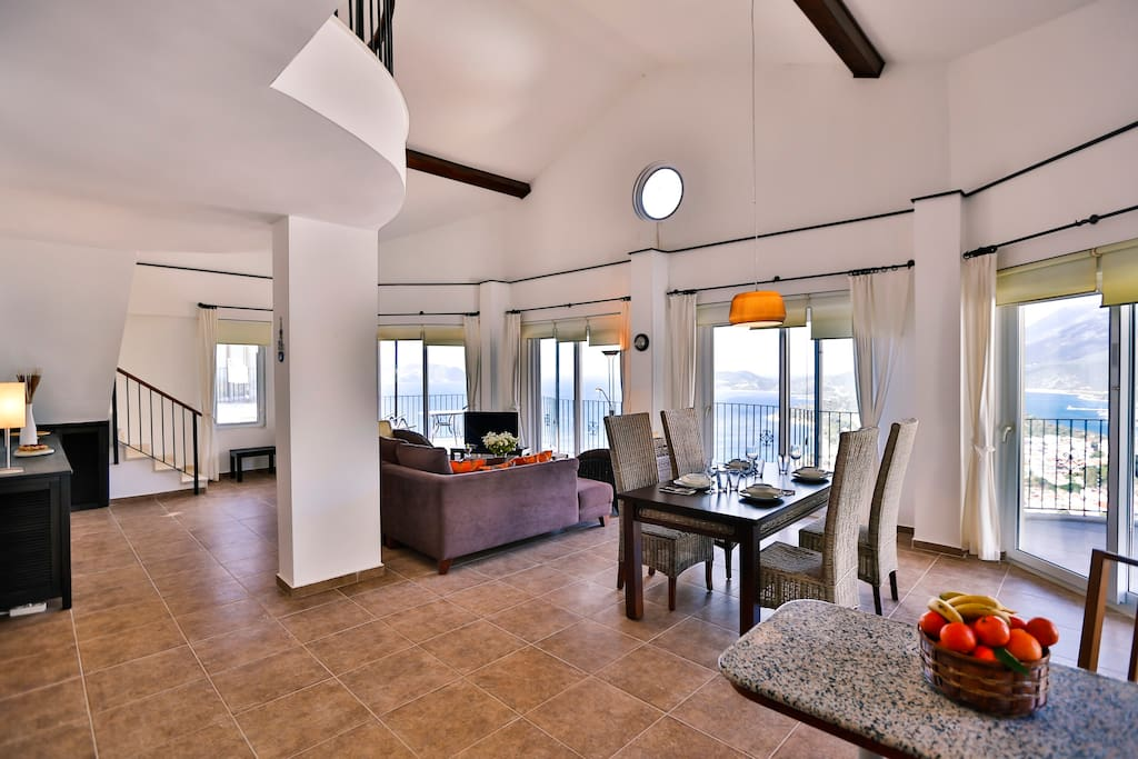 Welcome to the beautiful spacious Penthouse, The Grand.