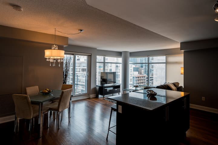 City escape! Two full Master suites; incl. parking