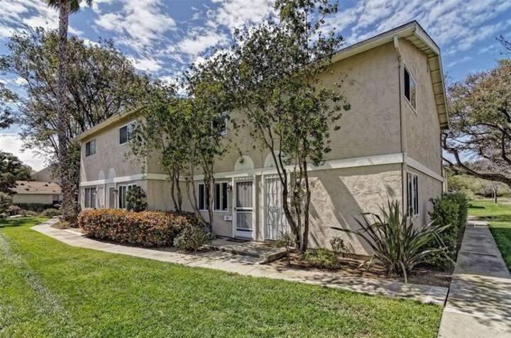 Cozy Condo - Close to UCSD, La Jolla, Torrey Pines