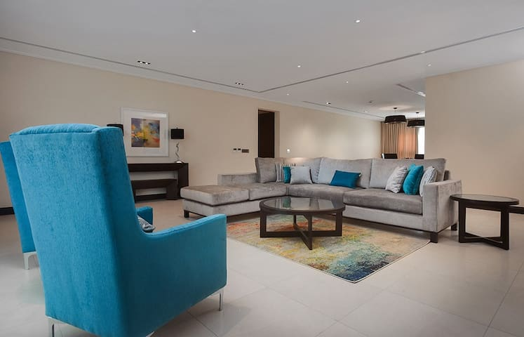 The Seattle Residences and Spa (Luxury Apartment)