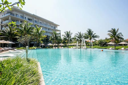 Luxury 2BR* Holiday Apartment in 5* Beach Resort