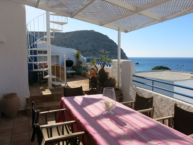 Amazing house close to the beach - Agua Amarga - Casa