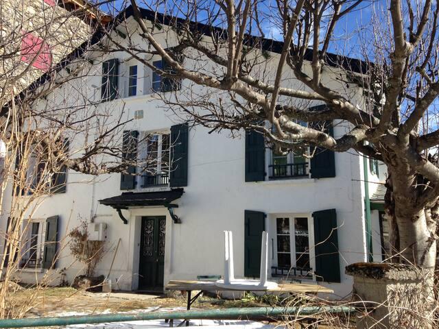 Belle Maison Ideal Vacances - Porté-Puymorens - House