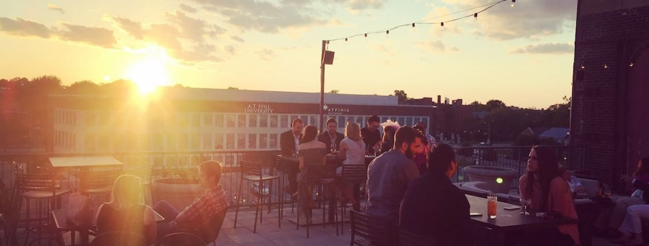 Element Rooftop Patio - Walking distance