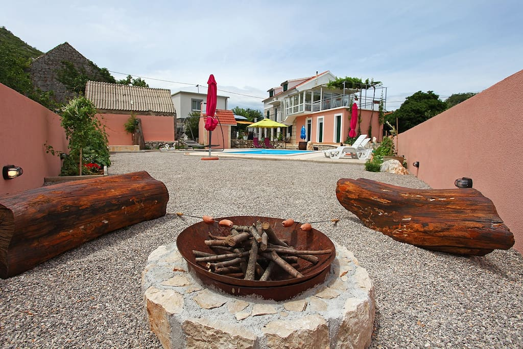 The Resort - Villa MOJ DIDA 2, Guest House MOJ DIDA, Indoor Fireplace,  Swimming Pool, Outdoor Grill