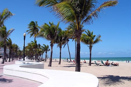 Close to everything in Fort Lauderdale - Fort Lauderdale