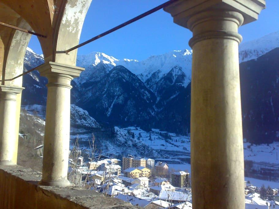 Vista  montagne  dalla  chiesa  parrochiale