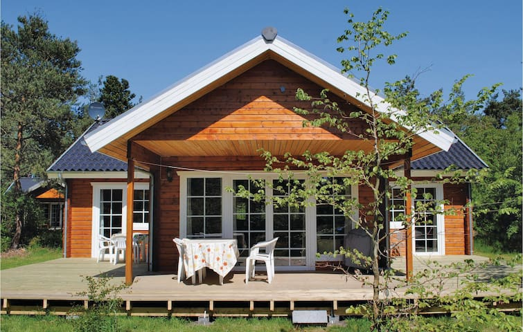 Holiday cottage with 3 bedrooms on 93m² in Højby