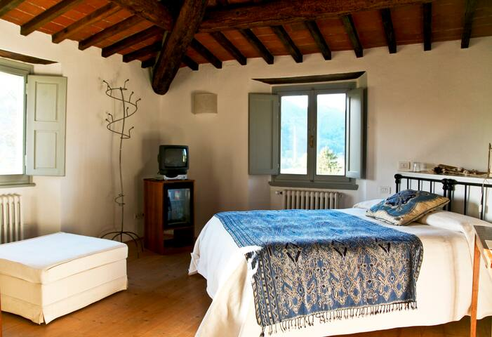 FARMHOUSE FLORENCE W POOL Bistino - Rufina - Bed & Breakfast