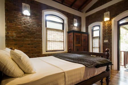 VS Spacious suite + private plunge pool - Galle - Villa