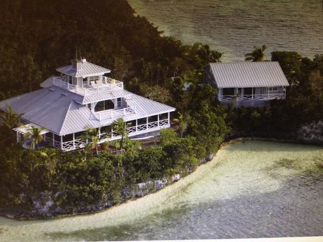 Paradise in the hub of Abaco Bahama - Marsh Harbour - House