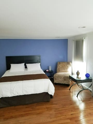 Spacious studio, very convenient location!! - West New York - Appartement
