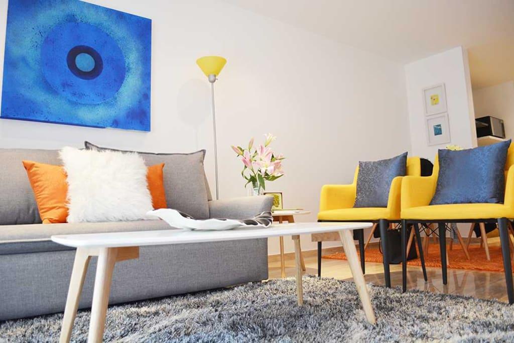 Sala/Living Room/Sofa Bed