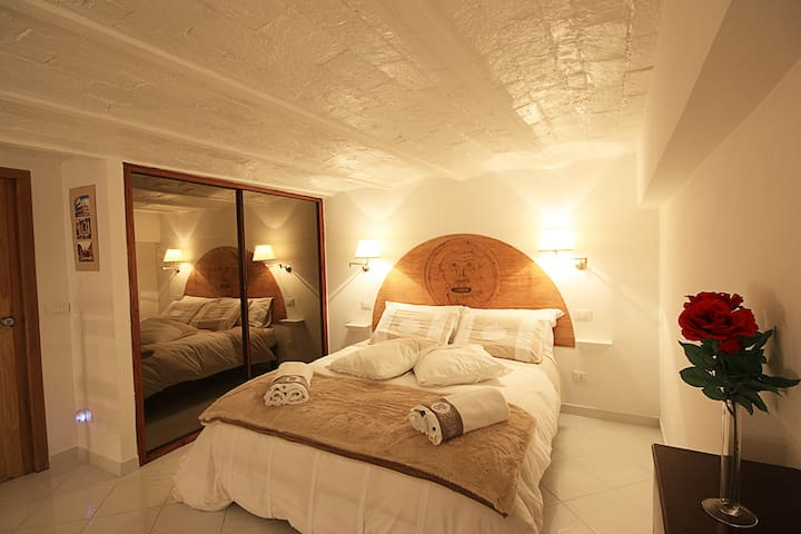 SUITE TWENTY-FIVE trastevere