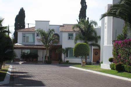 beutifull villa  tout  comfort  - Santiago de Querétaro