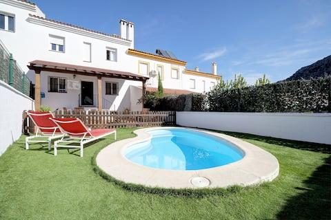 OFERTA APERTURA Magnífica casa con piscina privada