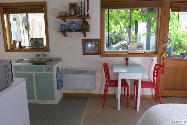 Quirky  studio flat in Sandy Bay - Sandy Bay - Wohnung