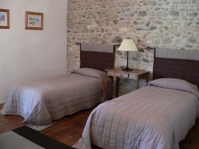 Quatrième chambre avec 2 lits doubles