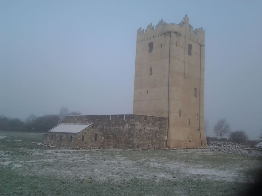 A snowy morning at the tower.
