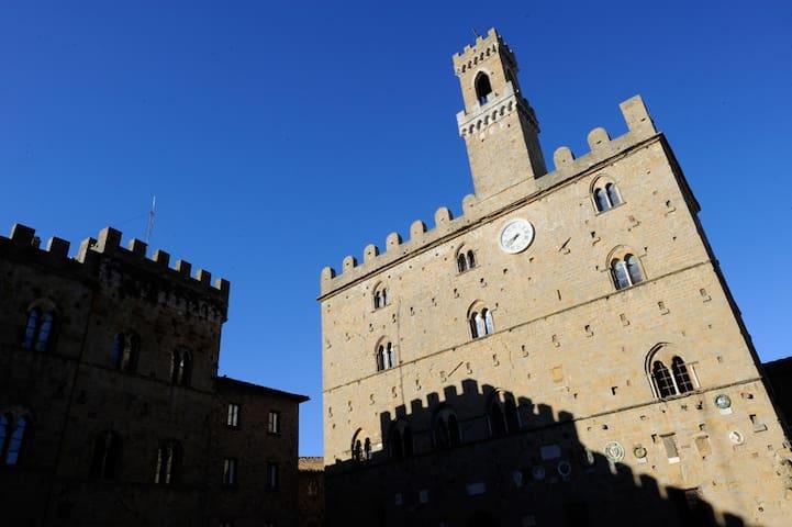Luxury rooms in center of Volterra - Volterra - Bed & Breakfast