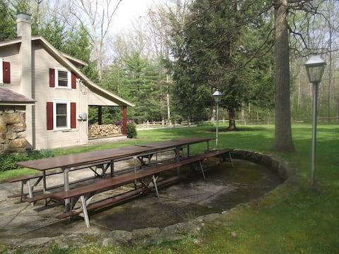 Ligonier Woodsy Cabin With Rec Blg