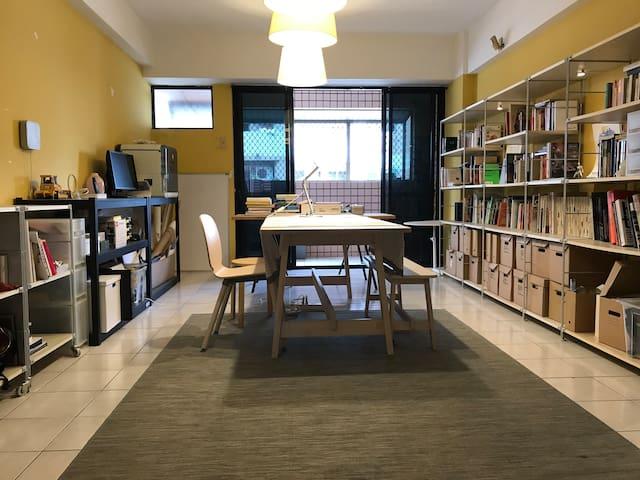 短月租/含網路水電清潔/免費洗衣/生活機能完善/Kaohsiung's private room