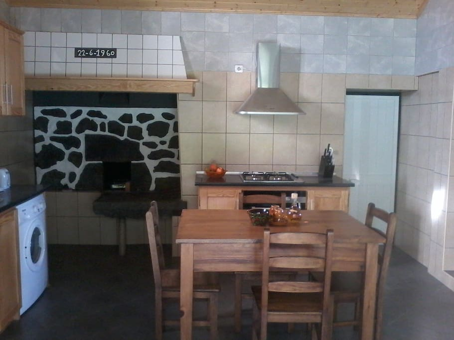 Kitchen with old Azorean stove, upper apartment.