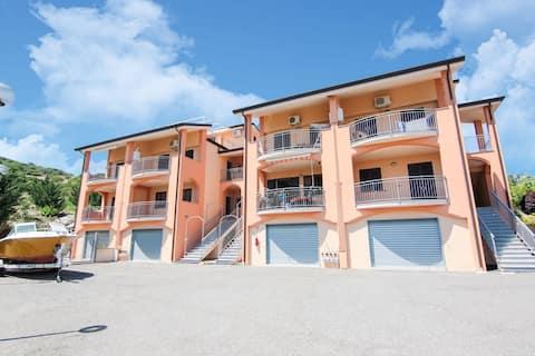 Simplistic Apartment in Marina di Mandatoriccio with Pool