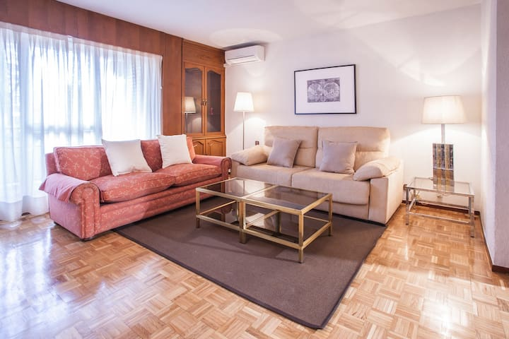 Apartamento en Madrid ideal grupos - Madrid - Departamento