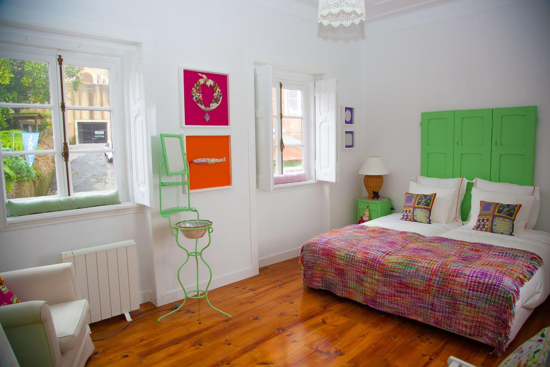 Quarto Artesanato | Handicraft Bedroom