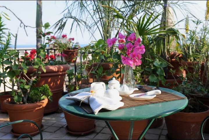Terrazza Pavone - Apartments for Rent in Aci Castello, Sicilia, Italy